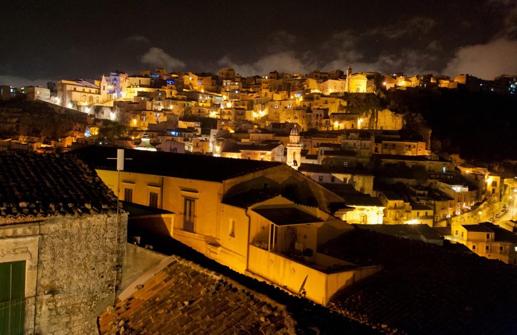 28 Ibla by night dalla Terrazza dell\'Orologio